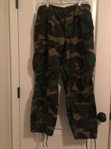 CAMOFLAGE Military Army Cargo Pants Sz Medium Short MultiColor Clothes