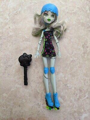 """Monster High 11"""" Doll FRANKIE STEIN FRANKENSTEIN ROLLER DERBY MAZE Brush Lot"""
