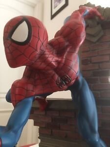 Sideshow Collectibles Marvel Spider-Man Spiderman Comiquette Amazing!
