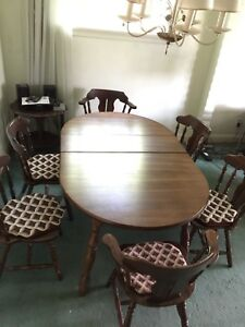 6 Seat Dining Table and Chairs