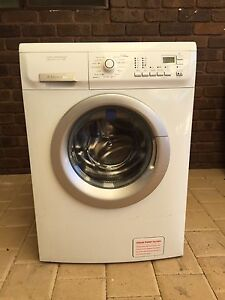 Electrolux 8kg Time manager life style washing machine Thornlie Gosnells Area Preview