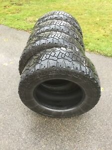 Tires 33 x 12  mud terrain 305/60R18