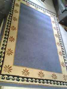 floor rug Large In excellent con. Measures 2420 mm x 1600mm $85 Normanhurst Hornsby Area Preview