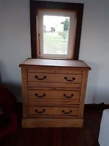 Kauri pine drawers antique Bolwarra Maitland Area Preview