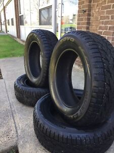 Brand New Winter Tires Toyo Observe G3 Ice 225/65/R17