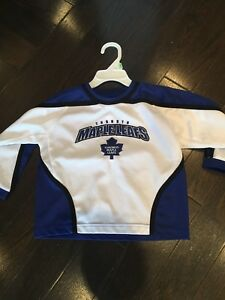Maple Leafs hockey jersey