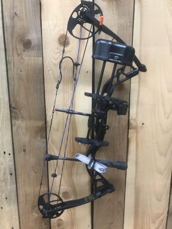 Diamond Infinite edge pro compound bow RH set up