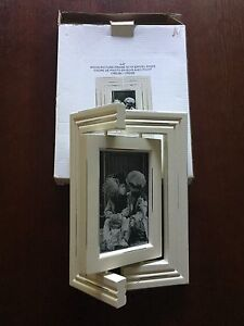 Wood picture frame with swivel sides 4 x 6