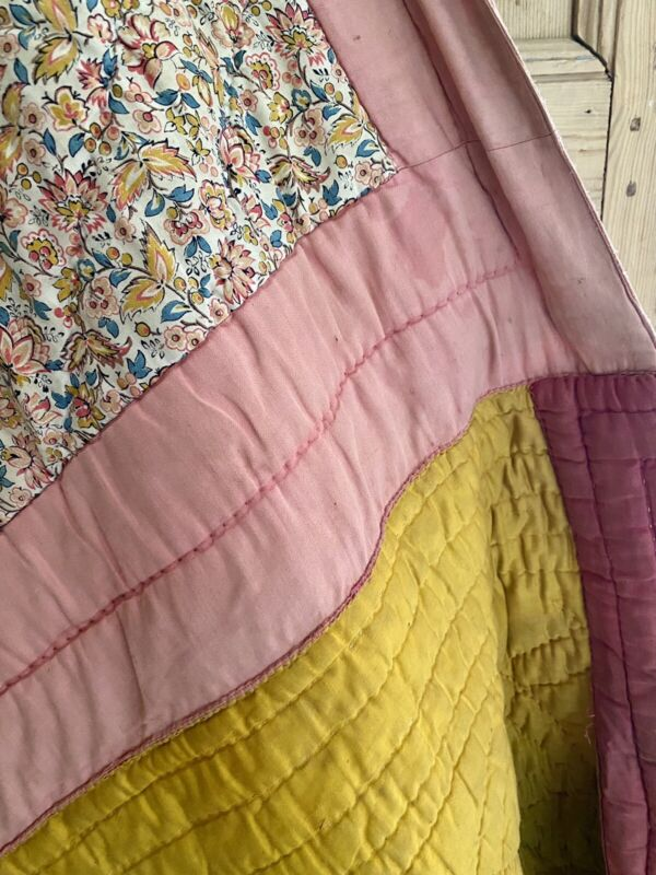 Antique French QUILT BOUTIS piqué PROVENCE GOLD PINK indiennes PATCHED c1830