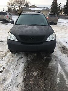 REDUCED* SELLING OUR 2004 LEXUS RX330 LOW KMS