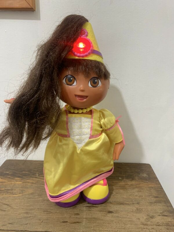 "Dora Princess Talking Doll 2003 Mattel Batteries Included Works  14"" No Wand"
