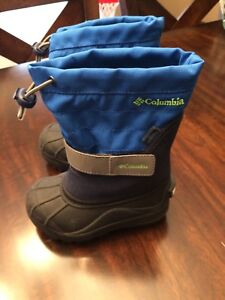 Columbia Boys Boots size 8