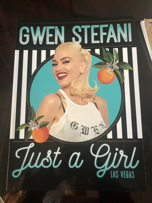 OFFICIAL PROGRAM BOOK Just a Girl - Gwen Stefani (44 Pages)