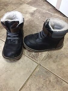 Toddler size 7 shoes
