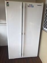 Westinghouse fridge Belmont South Lake Macquarie Area Preview