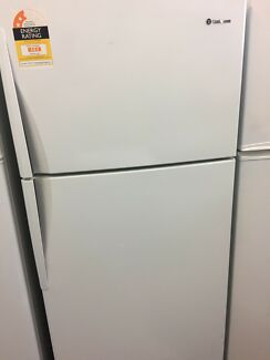 Westinghouse fridge freezer 420L
