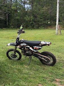 PRICE DROP 125 cc Dirt Bike