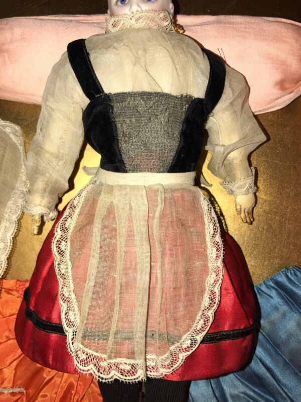 EARLY 19TH CENTURY ANTIQUE FRENCH BISQUE DOLL ANTIQUE DOLL DRESS SIX PIECE LOT
