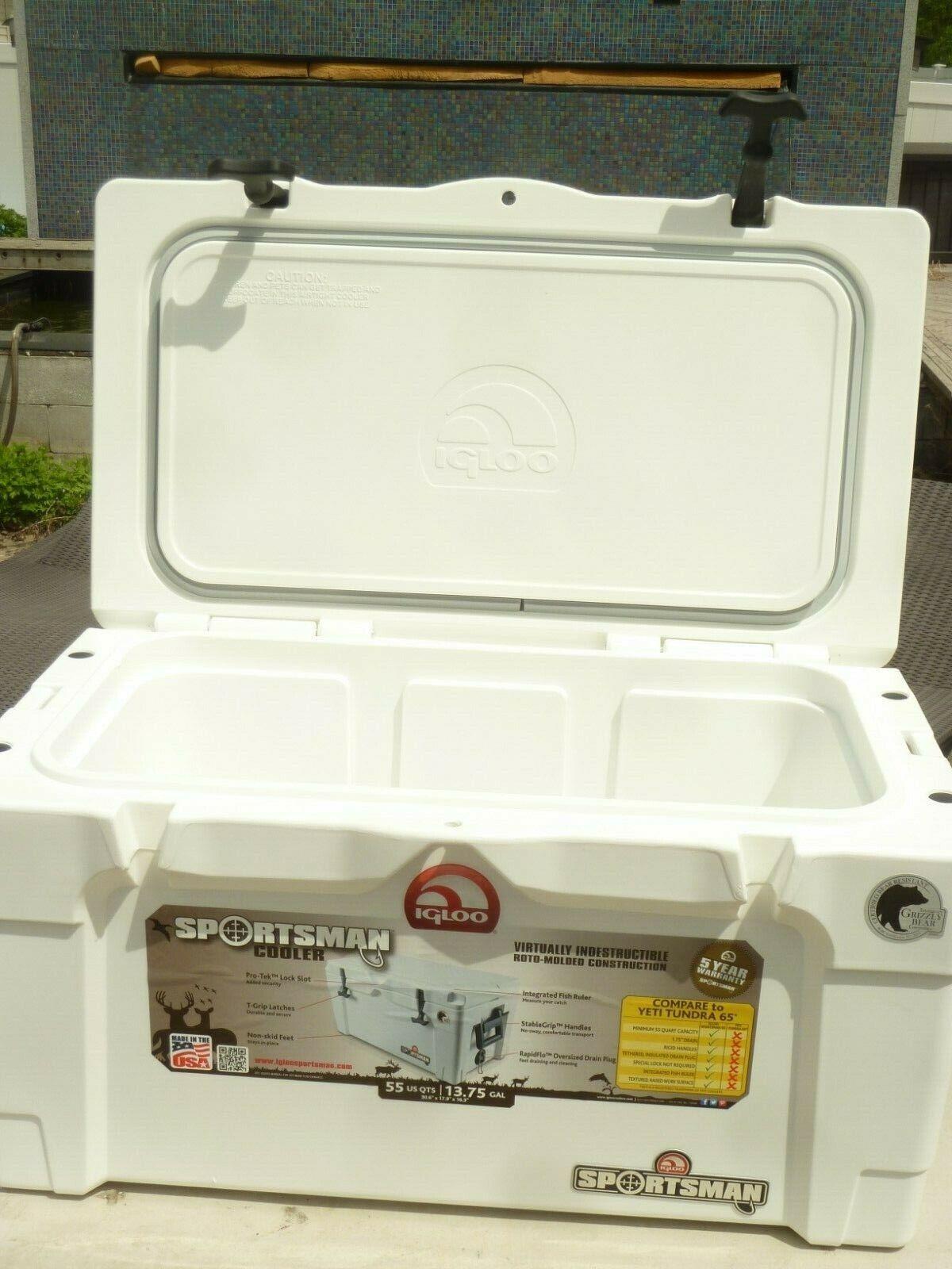 Igloo 55 qt Sportsman Cooler - White