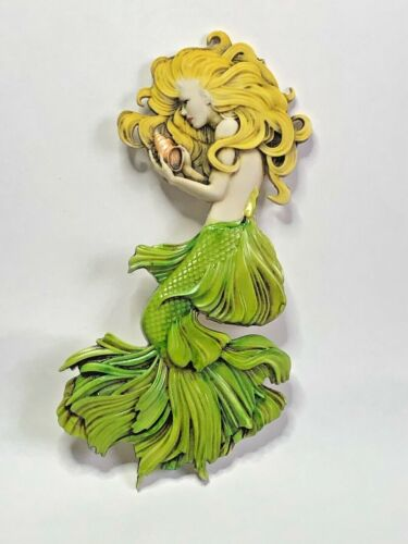 Harmony Kingdom Artst Neil Eyre Designs Blonde Little mermaid sea shell magnet
