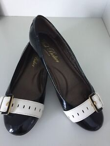"""$300 TED BAKER """"Patent Leather"""" Black Buckle FLATS SIZE 8.5"""