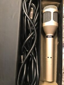 Pearl PDM-9000 Pro Microphone