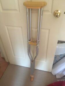 Free adjustable crutch Duncraig Joondalup Area Preview
