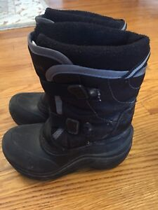 Ascent Boys Winter Boots Size 12 waterproof and insulated