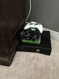 Xbox 360 two controllers and four games