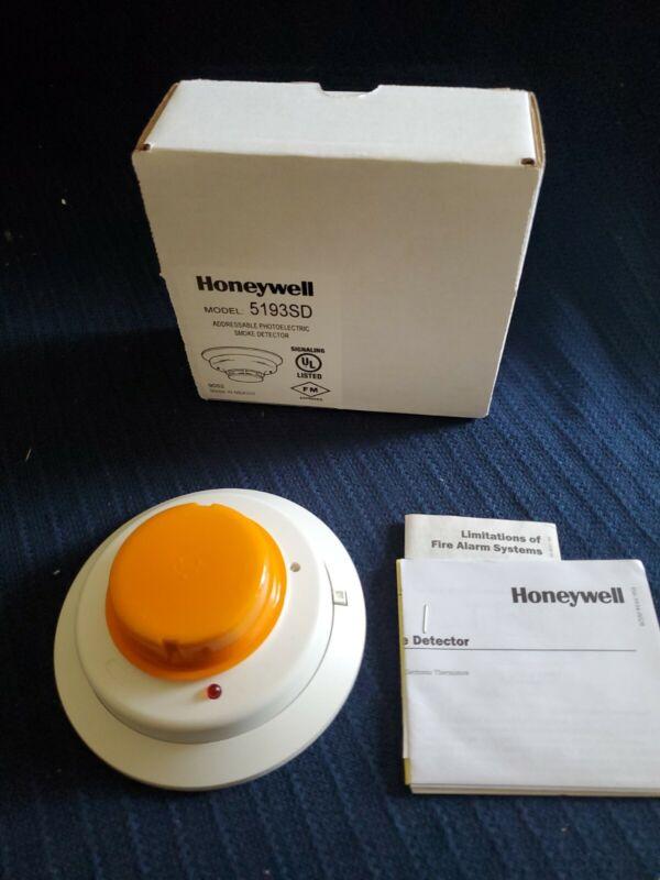 HONEYWELL 5193SD ADDRESSABLE PHOTOELECTRIC SMOKE DETECTOR. NEW!!