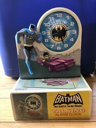 VINTAGE 1975 BATMAN AND ROBIN TALKING ALARM CLOCK - 7 TALL Clock Doesn't Work