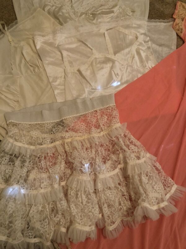 Vintage Full SLIPS Petticoat Nightgown Robe Shaper Lingerie Lace Lot Of 7 Size L