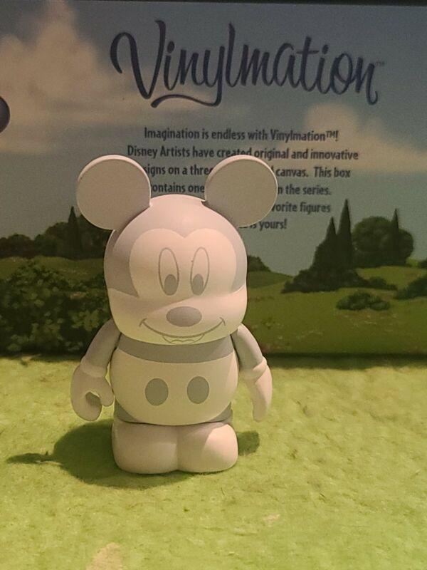 """DISNEY Vinylmation 3"""" Park Set 8 Urban White Tonal Mickey Mouse Topper"""