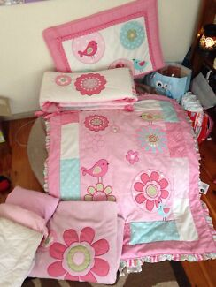 Kidsline Bailey cot set for girls Cranebrook Penrith Area Preview