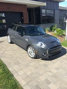 2015 Mini Cooper S, super low km - moving and must sell!!!