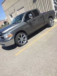 "24"" Rims and tires Dodge Ram"