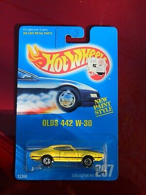Hot Wheels Blue Card Olds 442 W-30 Collector No. 267 error on front wheel