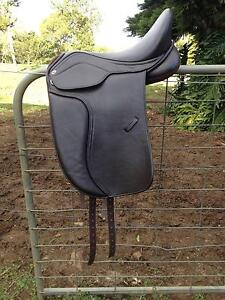 Heather Moffett FlexEE Finale dressage saddle Maleny Caloundra Area Preview