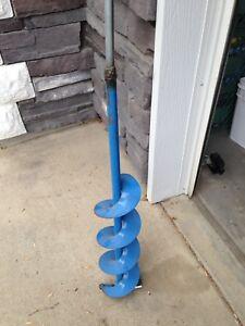 Older hand ice auger