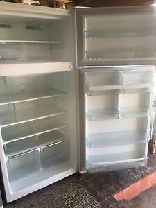 6 months warranty Westinghouse 520L frost free fridge freezer Caulfield East Glen Eira Area Preview