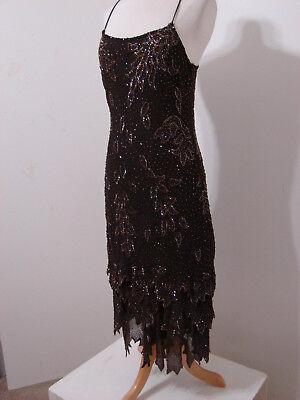 Flapper-stil Kleider (Krishma 100% Viskose Braun Wulstig Abgestuft Asymmetrisch Flapper Stil KLEID S)