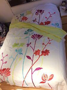 Housse de couette lit simple avec rideaux