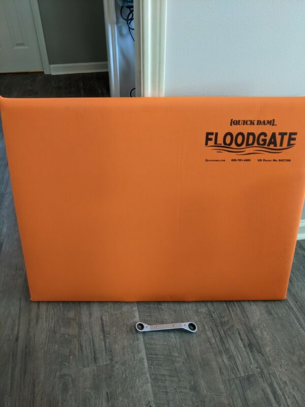 "Quick Dam Flood Gate Door Insert Water Diverter, Fits 35""-40"""