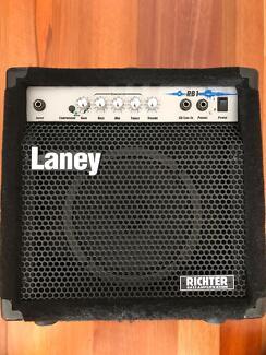 Bass amp Laney RB1 & mini Vox bass