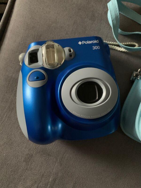 Polaroid 300 PIC300 Instant Film Camera With Case