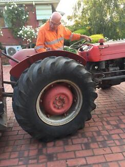 Good tractor Elizabeth Playford Area Preview