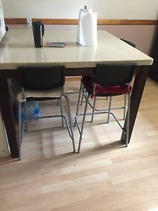 Dinning table with 4 bar stool