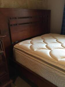 KING SINGLE BED AND MATTRESS  ***EXCELLENT CONDITION ** Stoneville Mundaring Area Preview
