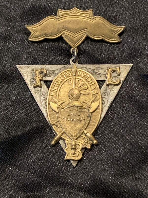 SUPERIOR BADGE COPYRIGHT 1874 METAL KNIGHTS OF PYTHIAS FCB HANGING BADGE MEDAL