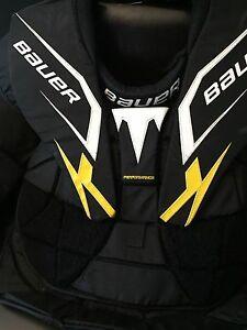 Men's Senior Large Bauer goalie chest protector